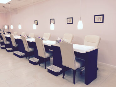 nail-pampering-parlour-manicures